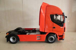 RARE 1:12 scale Iveco Stralis Hi-Way truck includes a remote control by Hachette