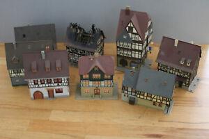 8 Gebäude Fachwerk brennendes Haus Wohnhäuser Spur H0 #A797