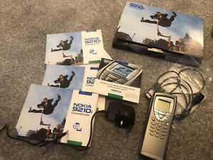 NOKIA 9210i COMMUNICATOR - with charger, sync cable and paperwork - working