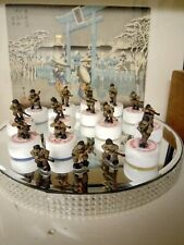 Vintage lead army figures 16 in total all painted about 26 mm height