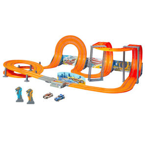 Hot Wheels 1:43 2.4G 850cm Anti-Gravity Slot Cars Track/Wireless Controller Toy