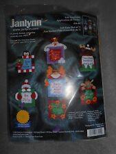 JANLYNN FELT APPLIQUE' CHRISTMAS ORNAMENTS SEWING  CRAFT KIT  HOLLY WITT