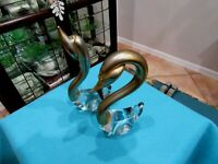VINTAGE PAIR OF ART DECO CRYSTAL AND GOLD SWANS