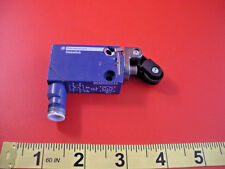 Telemecanique ZCMD21C12 Limit Switch Osiswitch Ui 60v AC15 4a Roller Arm New Nnb