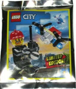 Lego City Fireman and Drone 952002 Foil Pack BNIP