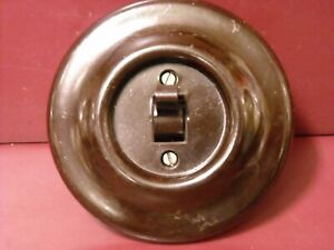 1950's VINTAGE BAKELITE ELECTRIC SWITCH ROUND SHAPE 6A/250V.