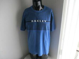Oakley T-Shirt  Size  XL