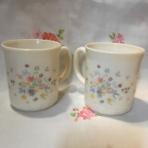 Arcopal France Victoria Floral Swirl Milk Glass Cottage Style Mugs Set Of Two