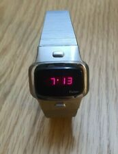Vintage PULSAR P4  Executive  Red led Time Computer Inc USA Watch