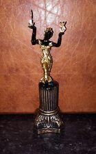 Maison de poupées lady statue lampe