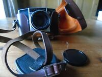 VINTAGE PENTINA CAMERA CARL ZEISS LENS IN LEATHER CASE WITH ANOTHE SMALLER LENS