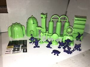 Marx reissue Space Academy playset outdoor accessories green And Astro Nits