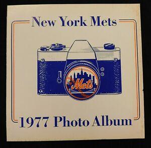 New York Mets 1977 Official Vintage MLB Baseball Complete Photo Album Book
