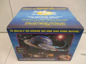 1994 Enesco Star Trek The Next Generation USS Enterprise NCC-1701-D Musical