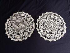 Paire Blanc Vintage Italien point de Venise Lace Table ronde Table DOILIES