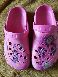 Ladies girls size 37 /4_4.5  pink floral clogs NEW