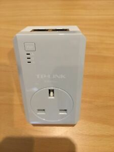 TP-Link TL-PA4020P AV600 600Mbps 2-Port Powerline  Adapter with AC Pass Through