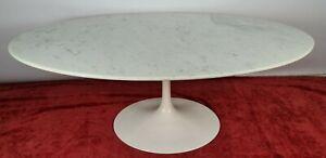 OVAL TULIP TABLE. EERO SAARINEN. KNOLL. MARBLE AND ALUMINUM. CIRCA 1960.