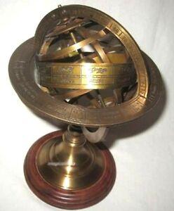 Globus-Armillarsphäre aus Messing-anlaufgeschützt auf Holzsockel- 29 cm, Ø 18,5