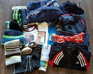 Großes Bekleidungspaket 22 Teile Bademantel Shirts Jacken Matschhose Größe 128