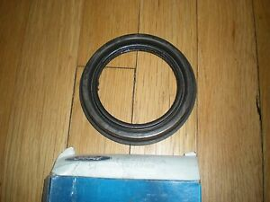 NOS 1980 - 1991 FORD F250 F350 WHEEL GREASE SEAL RETAINER E0TZ-1175-A