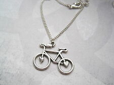 Amor Bicicletas Corazón Plateado tonta vendedora Collar 18 Pulgadas Cadena De Regalo Bolsa Ciclismo
