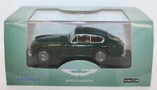Voitures miniatures vert pour Aston Martin