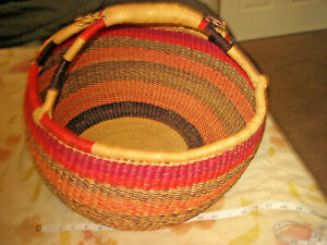 """LARGE ROUND 16"""" Diameter WICKER BASKET Straw Wood HANDCRAFTED Woven w/ HANDLE"""
