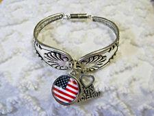 New listing American Flag Snap Charm Interchangeable Spoon Antique Silvertone Bracelet B 810