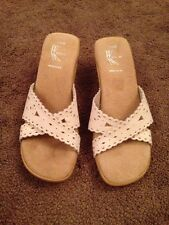 White Mt Slip On Ital Shoe Size 7.5 White Cream Color Clog Small Heel