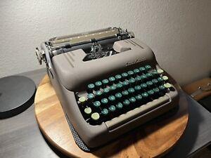 **Vertical Script / Cursive** 1950 Smith-Corona Silent Typewriter with Case