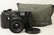 FUJI GSW690III Pro w/65mm f/5.6 lens [Excellent] from Japan (88-D06)