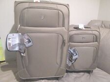 "(New) Lot of 2 for Sales - Swiss Gear Lugano Lightweight Luggage Khaki 28"" & 21"""