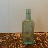 Antique Chamberlain's Cough Remedy Des Moines Iowa Embossed Medicine Bottle
