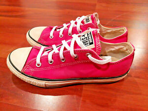 Converse All Star Chuck Girls Youth Sneakers Culor Pink Size 3