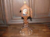 Rarität über 100 Jahre alter Marienaltar aus Holz mit  Porzellanmalerei Madonna