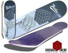 Justice Skateboard Grafik Deck cube grey Size 7,5
