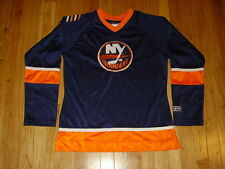 CCM NEW YORK ISLANDERS OFFICIALLY LICENSED NHL FOR HER WOMENS HOCKEY JERSEY MED