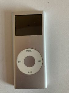 Apple iPod Nano 2nd Generation Silver (2GB) A1199