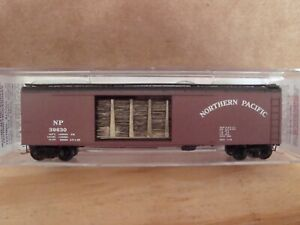 N Scale MTL NP 50' boxcar w/ interior load # 31452 NEW!! SHIPPING ONLY 99c !!