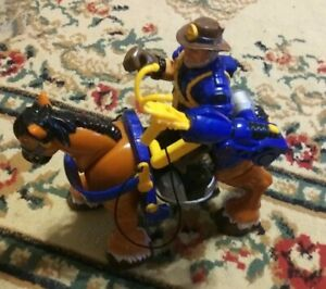 Fisher Price Mattel Rescue Heroes CAPTAIN CLYDES & DALE Horse