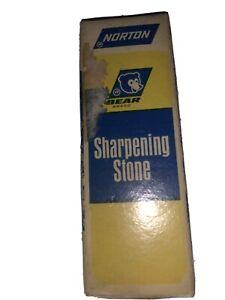💎RARE 💎vintage norton sharpening stone. Bear Brand. Great For Collectors!!