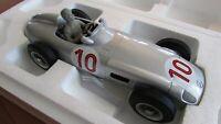 1955 Mercedes W196 F1 racer & driver figure Fangio win 1:18 GP Belgium I scale