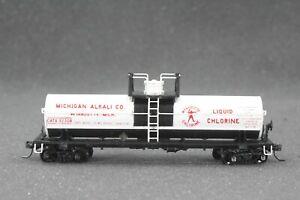 HO Athearn GATX / Michigan Alkali 40ft Chemical Tank Car, detailed HR, Kadee Cpl