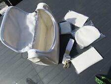 sac a main/trousse écru souple avec petit accessoires