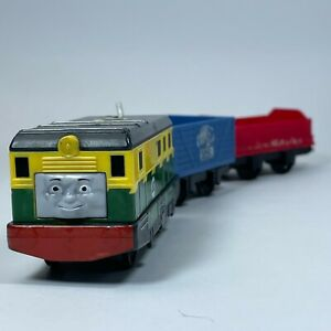 Thomas & Friends TrackMaster PHILIP Motorized Engine with Red and Blue Cargo Car