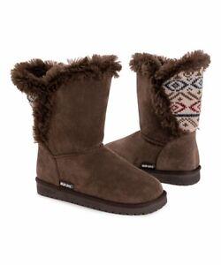 MukLuks  Brown & Oatmeal Carey Wrap Boots - Women size 9