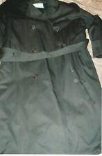 Stylish Bill Blass Men's Trench Coat: Size 44 Regular; Color: Black