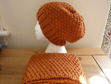 A womens supersoft pure merino wool hat and scarf set in copper, M/L, new.