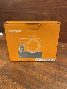 Neewer model 550D Multi-Power Battery Pack for Canon Rebel T2i/3i/4i/5i DSLR's